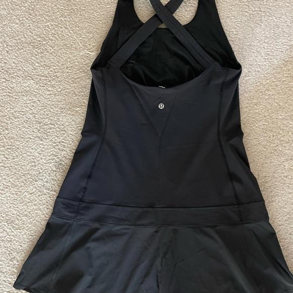 Black like new sport dress.